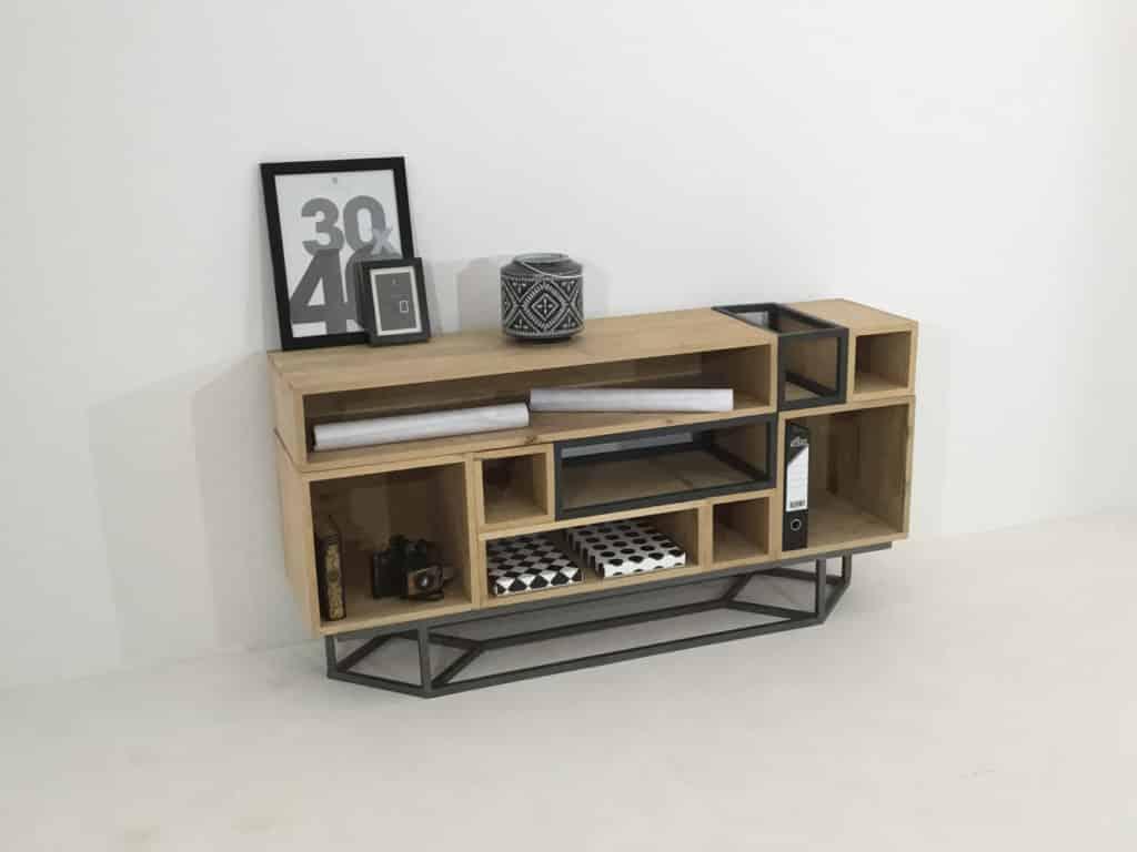 Meuble bois et métal composé de 7 modules en bois massif et 2 modules en métal