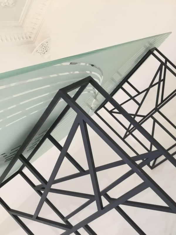 table en verre trempé et sablé, sur-mesure ou à personnaliser