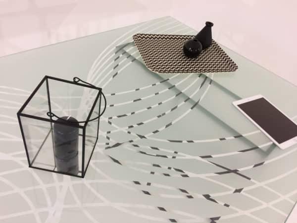 Fabricant de meuble sur-mesure en verre trempé, bois et métal