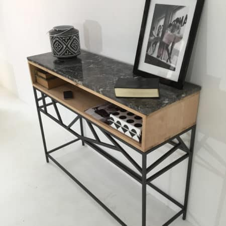 Console meuble en métal avec module de rangement en bois massif surmonté d'un plateau en marbre