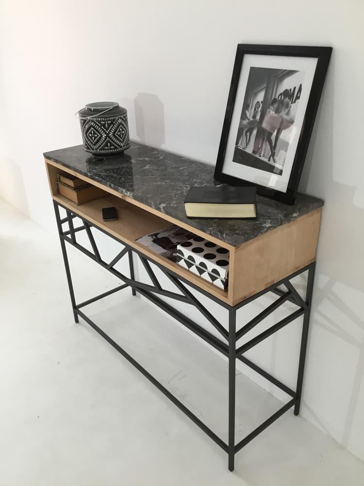 Console meuble en métal, bois massif surmonté d'un plateau en marbre