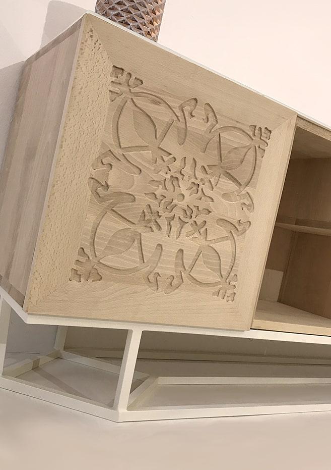 """meuble de rangement bois : porte bois massif motif """"Paris"""""""