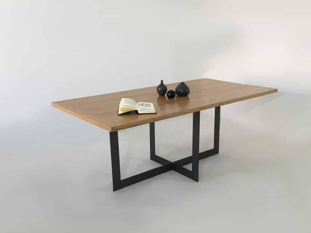 """Table repas sur-mesure ou personnalisable """"Candel"""" en bois massif et métal"""