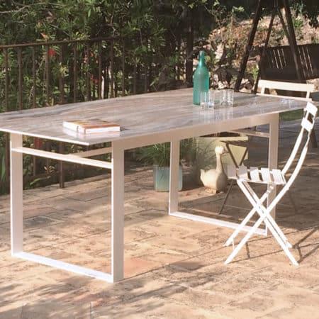 Table repas avec plateau en céramique onyx gris et piétement en métal laqué blanc
