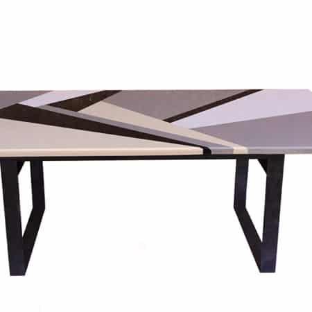 Table repas à manger dessinée par Danny Da Pozzo composée d'un assemblage de plusieurs marbres et granits