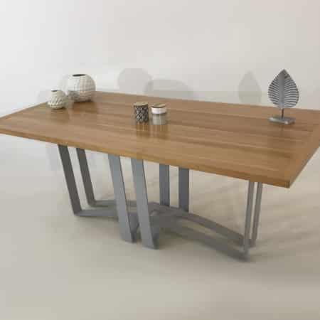 Table repas de salle à manger bois et piétement en métal