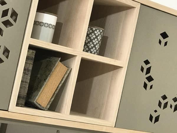 Buffet bois design avec portes métal