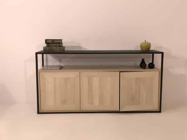 meuble design en bois massif et métal laqué