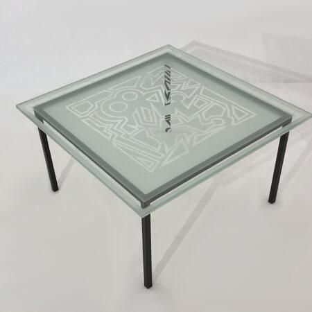 Table repas carrée avec plateau en verre trempé et sablé