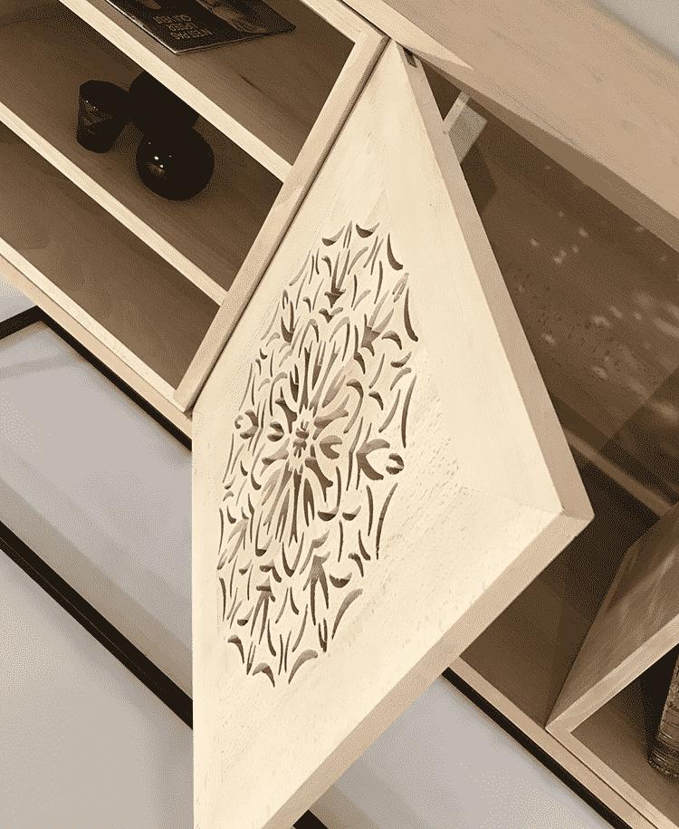 Buffet de salon design avec porte en bois ajouré