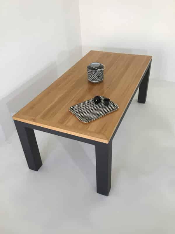 Table repas avec plateau en bois massif de 35 mm d'épaisseur