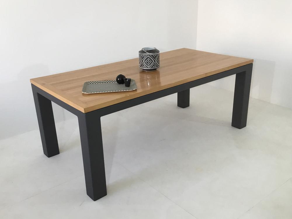 table bois massif contemporaine sur-mesure