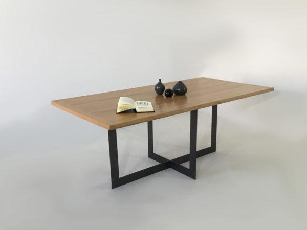 La table à manger industrielle Candel, plateau bois en 200 cm