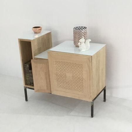 Meuble de salon au design exclusif. Une création artisanale exclusive.