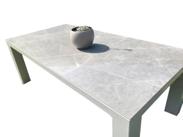Plateau céramique sur-mesure pour table à manger