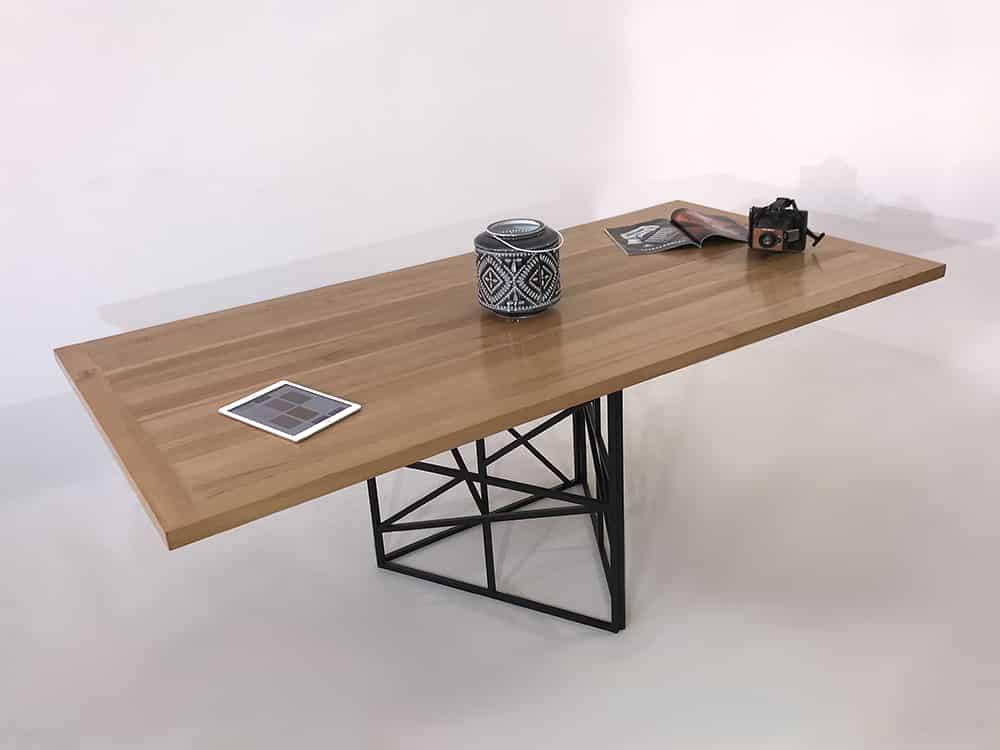 table à manger avec plateau sur-mesure et pied central original